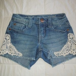Girls size 8 Justice Premium jean shorts w/lace